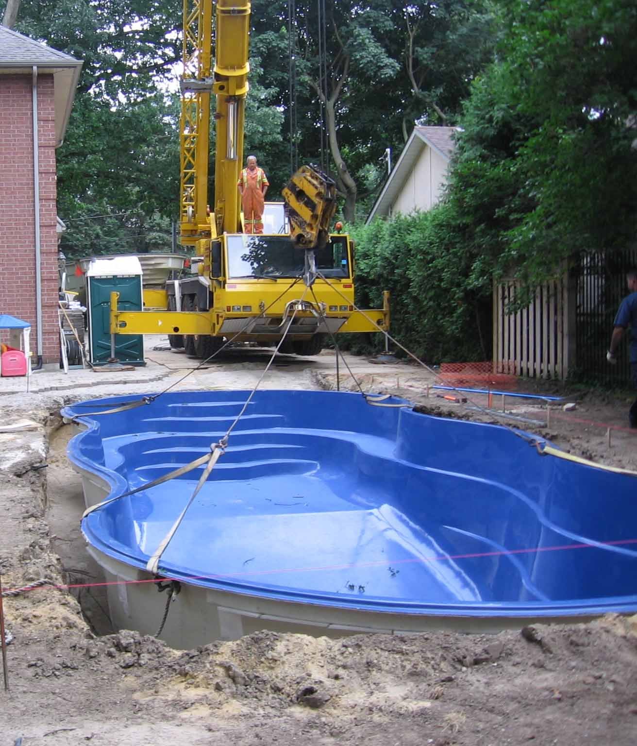 Choosing The Right Pool Contractor Contact Fiberglass Pools Toronto Specializing In